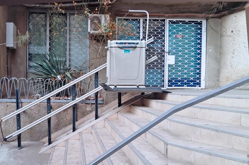 dış cephe engelli asansorü